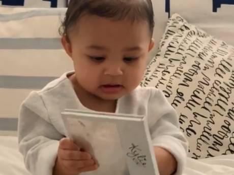 Kylie Jenner zet dochter (9 maanden) in om cosmeticamerk te promoten