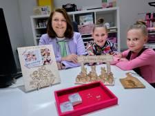 Samantha (36) vormt samen met haar dochters Jill (10) en Jazz (7) 'De Ontwerp Meisjes'