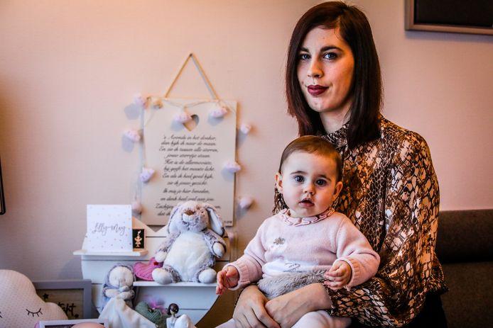 Benthe en haar vriendin kregen negen maanden geleden een tweede dochtertje: Ivy-May.