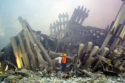De resten van de Twin Towers, na de aanslagen op 11 september 2001.
