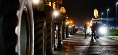 Duizenden boeren dreigen vannacht naar Den Haag te gaan: 'Voermaatregel moet van tafel'