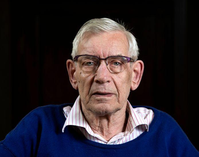 Hans van Nooijen vroeg de arts om het tijdstip van overlijden van zijn moeder iets aan te passen, zodat de sterfdatum 19 september werd.