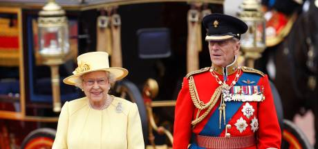 Cette photo de famille inédite du prince Philip et de la reine Elizabeth II fait fondre la toile