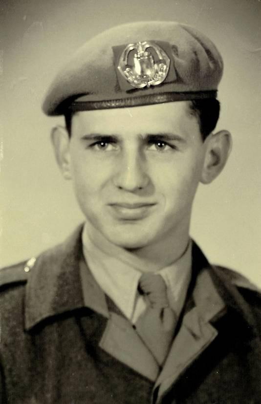 Kees Jacobs uit Rijen als diensplichtige soldaat begin jaren 50.