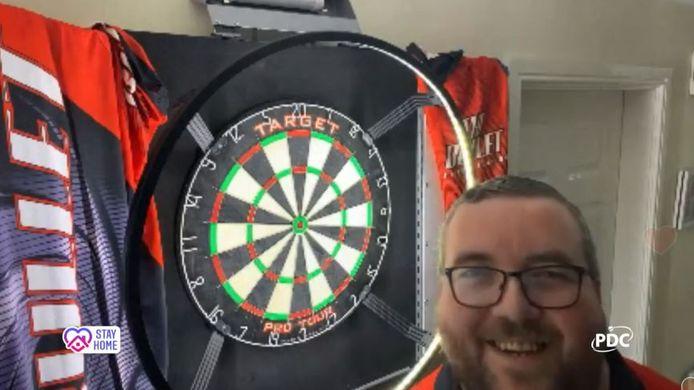 Stephen Bunting voor zijn dartbord