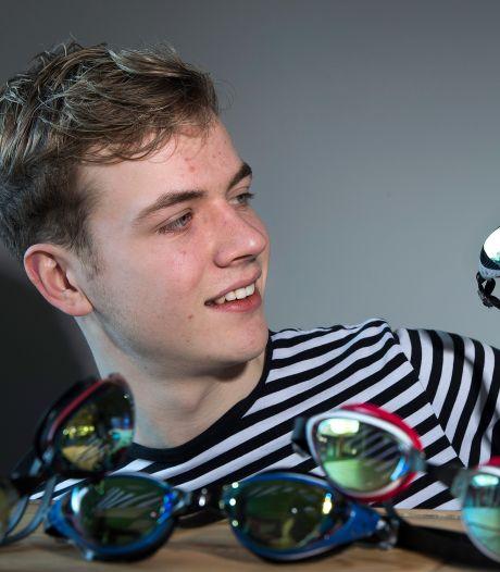 Wessel (17) verkoopt zwembrillen op sterkte: 'Ik kan mensen weer herkennen'