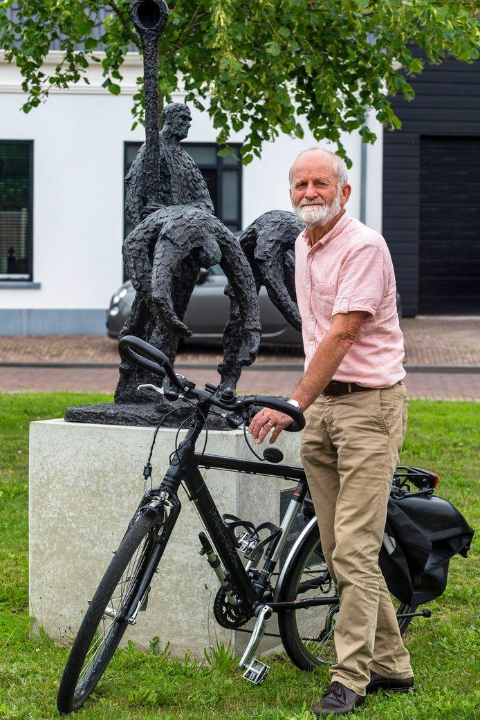 """Bert Vos, voorzitter van de Dorpsraad Lepelstraat: ,,Toen ik begon, speelde de herindeling. Veel mensen in Lepelstraat wilden liever bij Steenbergen horen, vanwege het plattelandskarakter."""""""