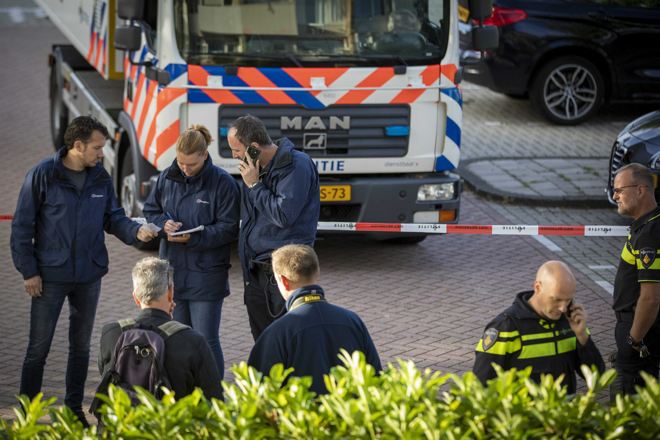 Bij een schietpartij in Amsterdam is advocaat Derk Wiersum doodgeschoten.
