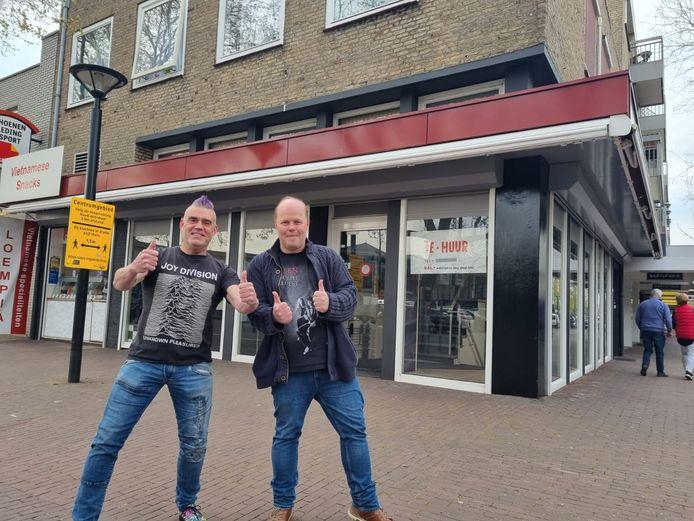 Willem Arts en Maurice Tonies voor hun nieuwe zaak.