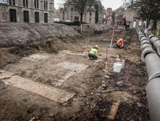 """Hooggespannen archeologische verwachtingen ingelost bij opgravingen de Leet: """"Langzaam komen resten 17de-eeuws bisschoppelijk paleis naar boven"""""""