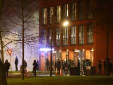 Duizenden euro's moeten mannen avondklokrellen Den Bosch betalen: 'Niet trots op, maar 2 blikjes uit frietzaak gepakt'