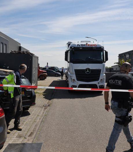 Illegale sigarettenfabriek in Veen ontdekt na eerdere vondst in Tricht, elf Oost-Europese werknemers aangehouden