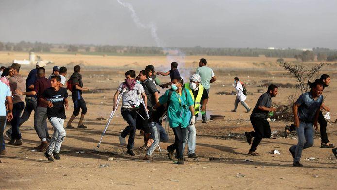 Des Palestiniens manifestent à la frontière avec Israël, Gaza, le 18 mai 2018.