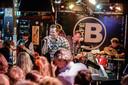 Een editie van Zevenbergen Live! in 2017: Live muziek in de Bakkerij, de Caddilekkers.