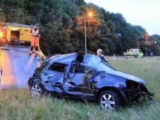 Automobilist crasht in berm langs A1 en wordt met spoed naar ziekenhuis gebracht