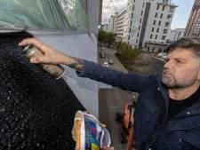 Duitser spuit testbeeld van 400 vierkante meter op de muren van het Videolab in Eindhoven: 'Dit is heilige grond'