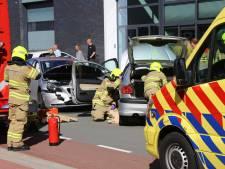 Auto's botsen in Nijkerk: één gewonde