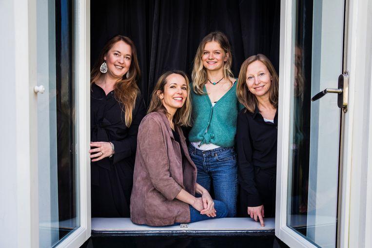 Vanaf links: Sascha van Westen, Kirsten Albers, Romy van Veelen en Romy Quint van Vrouwen voor Vrijheid. Beeld Aurélie Geurts