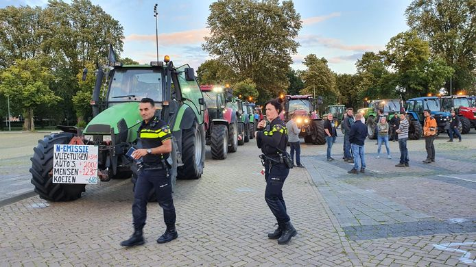 Protesterende boeren op Chasséveld Breda.