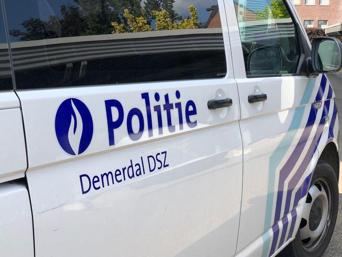 De man stormde het politiekantoor in Diest binnen waar hij een agent in het hoofd beet.