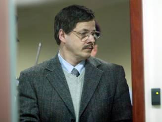 """Advocaat Dutroux geeft zichzelf vier jaar om kindermoordenaar vrij te krijgen: """"25 jaar in de gevangenis is lang genoeg"""""""