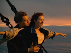 """Kate Winslet critiquée sur son poids après """"Titanic"""": """"C'était horrible"""""""