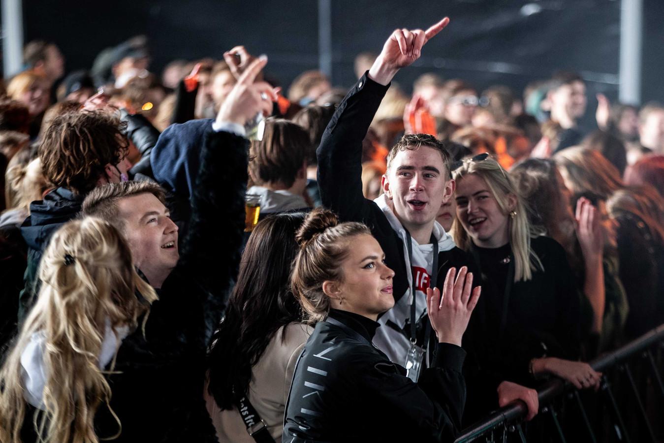 Bezoekers van popfestival Back To Live.