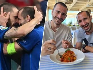 Ook na het EK zijn Chiellini en Bonucci onafscheidelijk: het duo is samen op vakantie en deelt meteen ook een sneertje uit