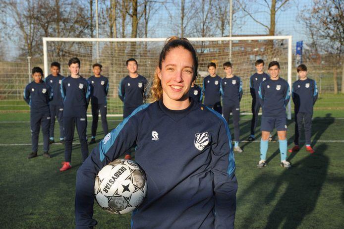 Danique Tolhoek voetbalt nu nog bij de jongens van JVOZ.