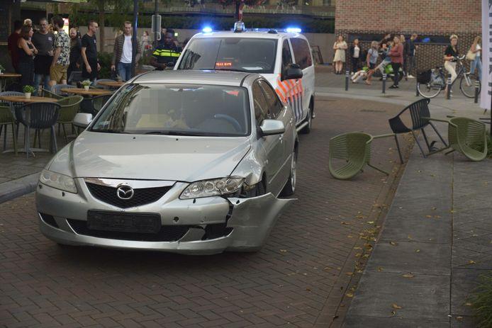 De man werd aangehouden nadat hij een terras op reed.
