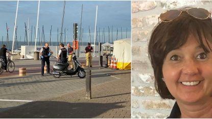 """Bromfietsster (47) overleden na tragisch ongeval op Zeedijk: """"Ann passeerde nochtans dagelijks aan die slagboom"""""""
