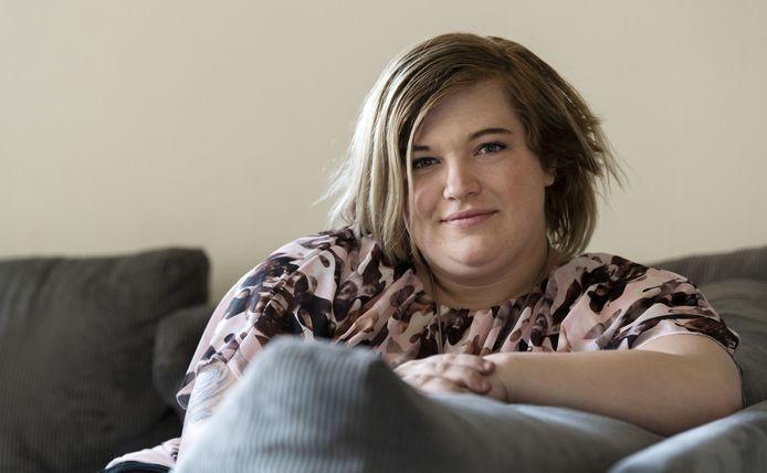 Demi Klaassen (24) heeft een dwangstoornis. Ze deelt haar heftige verhaal.