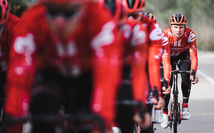 Jarno Mobach, hier nog in zijn tijd bij Team Sunweb, reed een sterke Le Samyn.