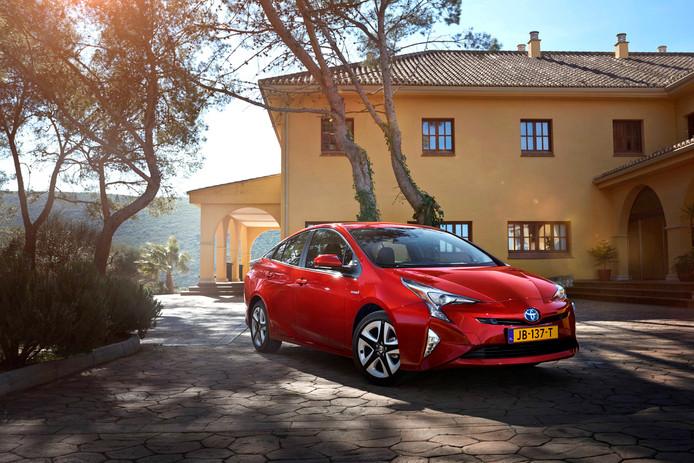 De meest verkochte hybride zónder stekker is de Toyota Prius.