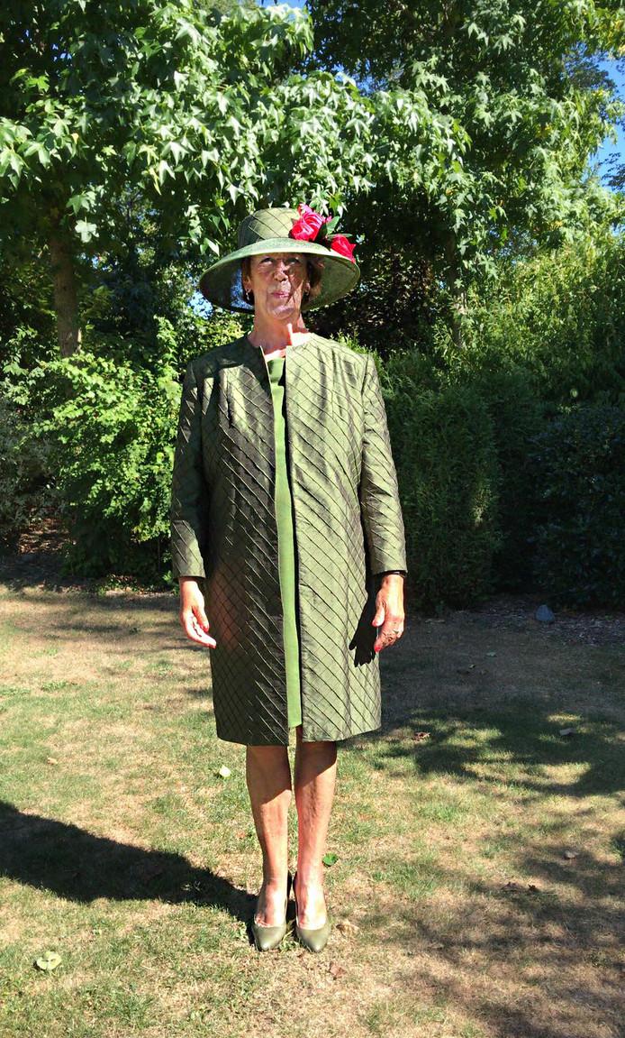 Annemarie Jorritsma draagt op Prinsjesdag een jurk en mantel die zijn gemaakt door studenten van Albeda in Rotterdam.