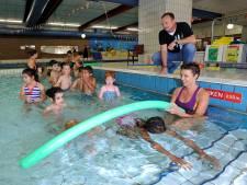 Amersfoortse zwemschool stuurt brandbrief naar Tweede Kamer: 'Zwemles stilleggen slaat nergens op'