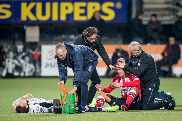 Als Luuk de Jong dit seizoen geblesseerd raakt, mag de club wettelijk gezien niets zeggen over de blessure