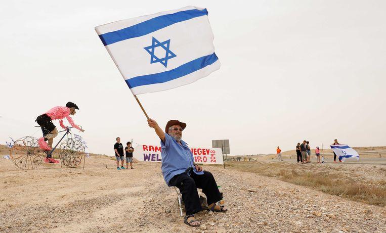 Wielerfans tijdens de derde etappe van de Ronde van Italie tussen Be'er Sheva en Eilat over een afstand van 229 kilometer. Beeld ANP