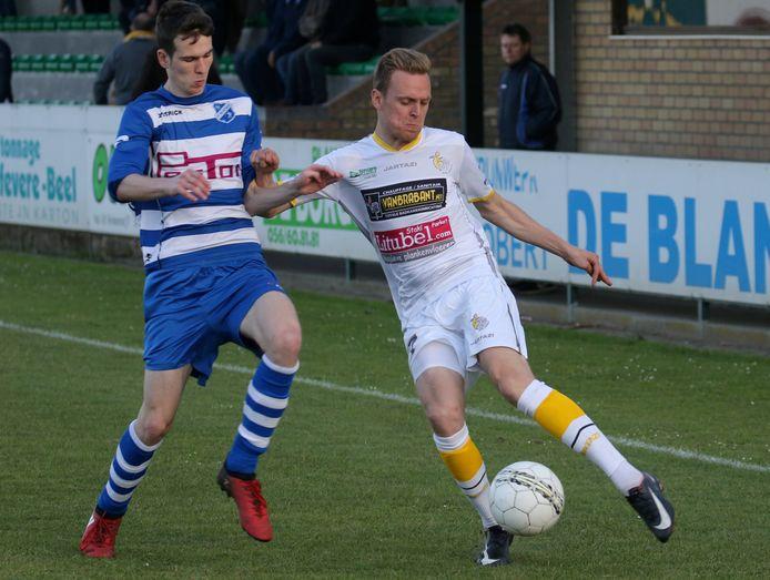 Thomas Coopman (rechts) keerde van FC Gullegem terug naar SC Wielsbeke.