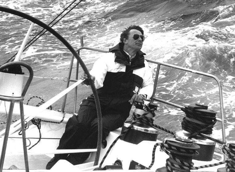 Dirk Nauta tijdens een proefvaart voor de kust van Scheveningen. Beeld ANP