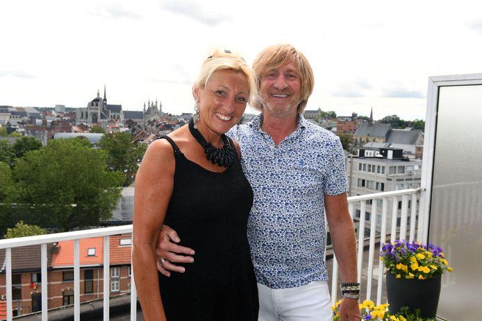 Omer Van Cauwenbergh en zijn vrouw Nathalie hebben een boek geschreven over de dood van Omers enige kind, Vincent (36) in 2018.
