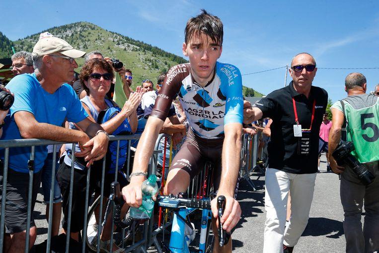 ► De Fransman Romain Bardet na de aankomst in de Dauphiné, waar hij zesde werd. Beeld Photo News