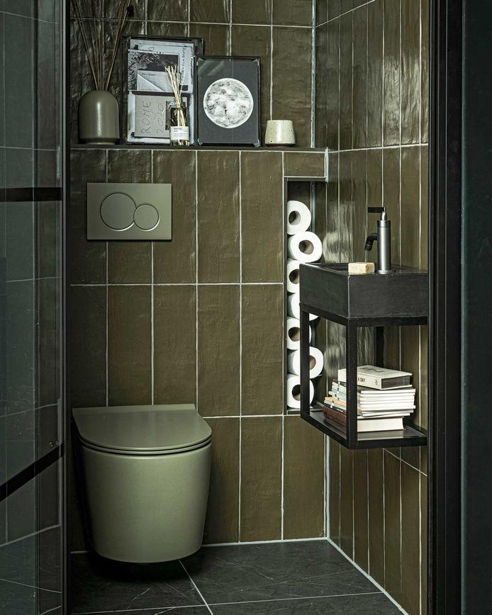 Een ton-sur-ton toilet zorgt voor een luxueuze uitstraling.