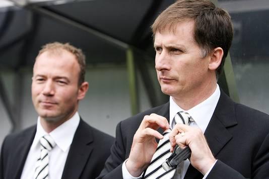 Glenn Roeder als coach van Newcastle United in mei 2007, met Alan Shearer naast hem.