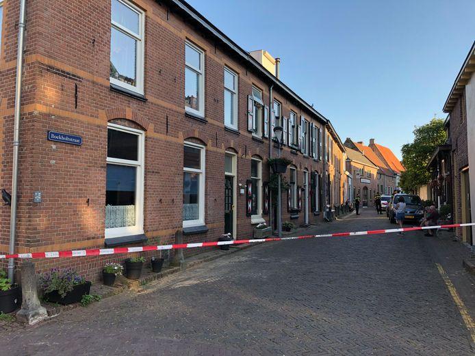 De Boekholtstraat in Doesburg  was afgezet voor onderzoek donderdagavond.
