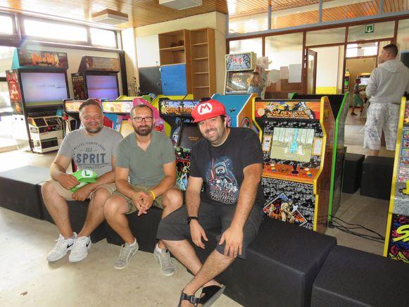 Multiplay geeft een geschiedenis van videogames in Nieuwpoort met Wouter De Greve, Tom Boterberg en David Van Ballaer