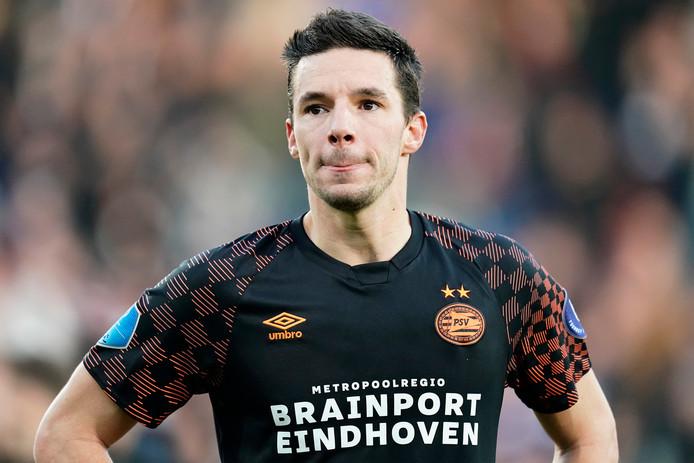 Nick Viergever baalt na de nederlaag tegen Willem II.