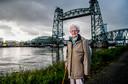 Rotterdammer Jan Hoek (94 jaar) die de Razzia van Rotterdam 10-11-1944 heeft meegemaak. Hij is indertijd in het ruim van een schip gestopt en afgevoerd. Foto: Frank de Roo