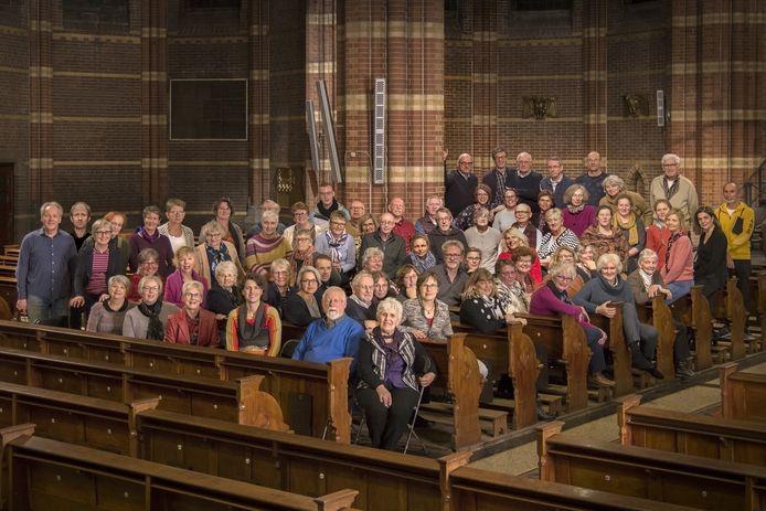 Merwe's Oratorium Vereniging in 2019, toen corona nog een onbekend probleem was, in de Antoniuskerk in Dordrecht.