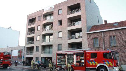 Wasmachine vat vuur in appartement